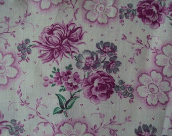 One Yard Vintage French Cotton Fabric Fuschia Pink Roses Daisies Chrysanthemums Never Used Suitable for Pillows Lavender Bags Feedsack
