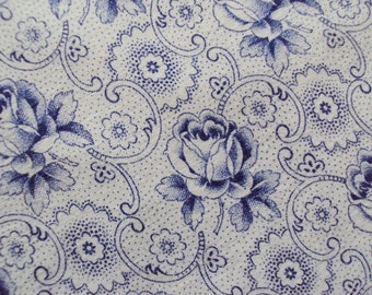 1 Yard Vintage French Fabric Blue Tea Roses Suitable for Patchwork Quilting, Lavender Bags Feedsack