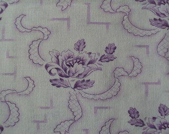 Pretty Vintage Cotton Fabric Lilac Lavender Tulips Ribbons Suitable for Patchwork Quilting Lavender Bags Feedsack