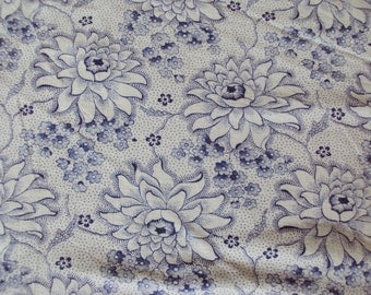 Vintage Fabric Blue Chrysanthemums Blue Flowers Suitable for Patchwork Quilting Lavender Bags Dolls Clothes Feedsack Pillow