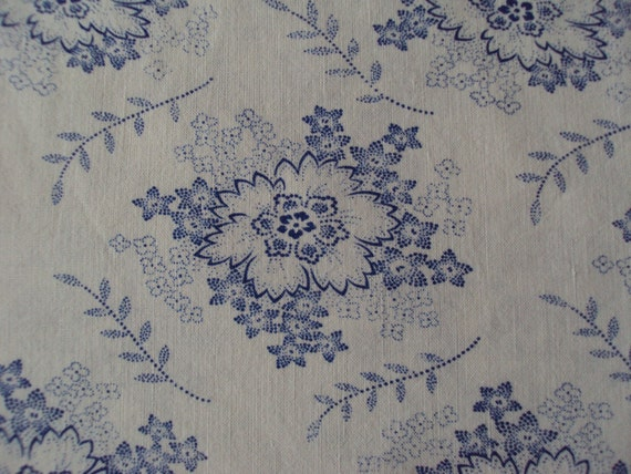 Vintage Fabric Blue Flowers Roses Suitable for Patchwork Quilting, Lavender Bags Feedsack