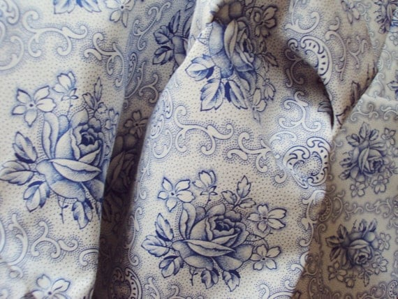 Yardage Vintage Cotton Fabric Blue Roses Unused Suitable for Pillows Patchwork Quilting Lavender Bags Feedsack