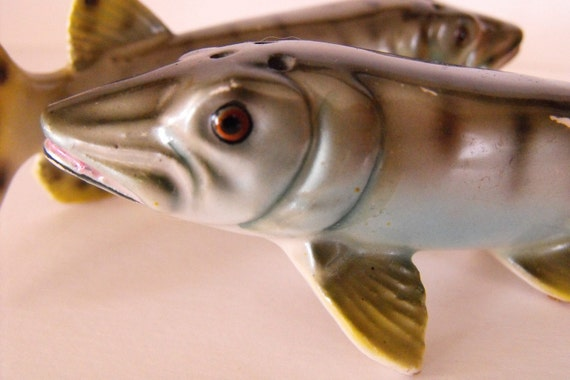 Pair of 1950 Collectible Fish Salt and Pepper Shakers