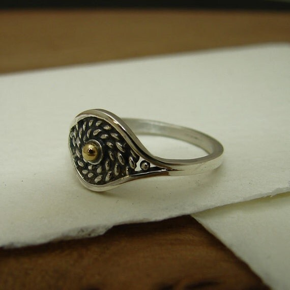 Delicate woven silver and gold filigree ring