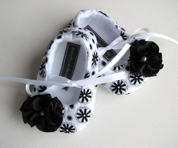 50% Off Black & White Floral Baby Shoes - Soft Ballerina Slippers Baby Booties