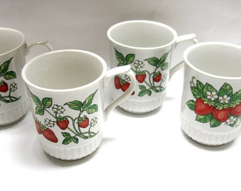 Strawberry Coffee Mugs Cups Set of 4 White Red Green