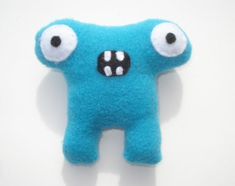 Herman Hammerhead Catnip Toy - Bright Blue