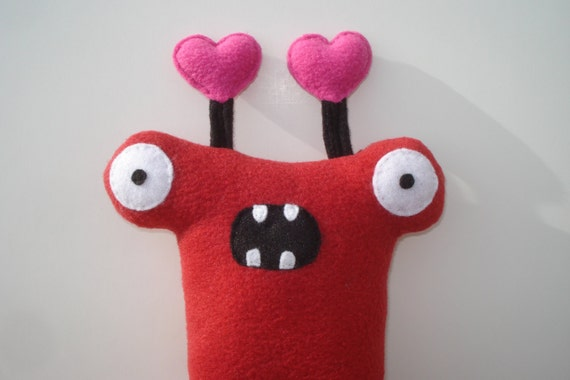 Herman Hammerhead Monster Dog Toy with Hearts - Red