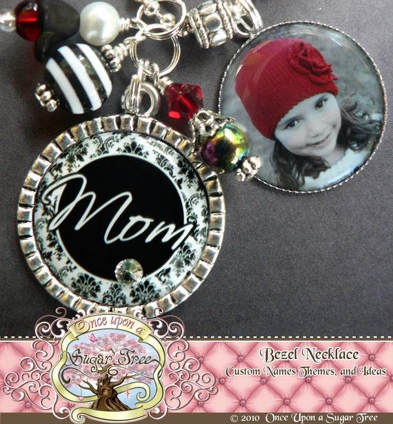 MOM NECKLACE, Mom Grandma Aunt Nana Mimi Black White Damask NECKLACE with Photo Side Bezel, Personalized Name, Custom, Photograph
