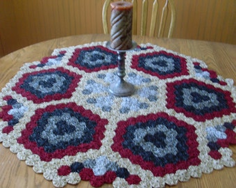 Yo-yo quilt tablecloth doily, made in America