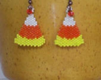 Beading pattern candy corn Halloween earrings