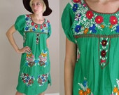vtg 70s Green Dress ethnic EMBROIDERED rainbow MEXICAN hippie S
