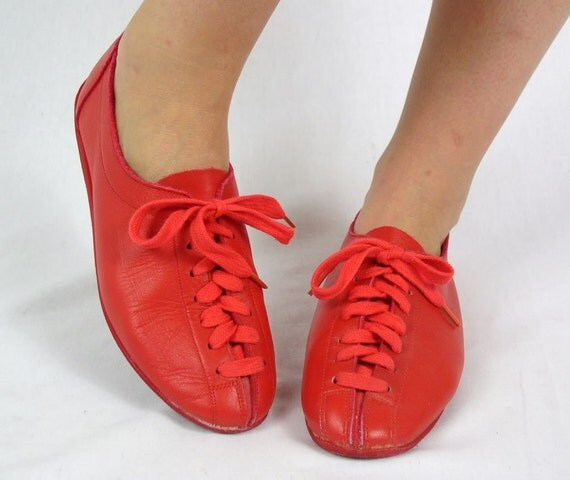 vtg 80s AVANT GARDE red leather HALSTON Lace Up Oxfords shoes 8 flats