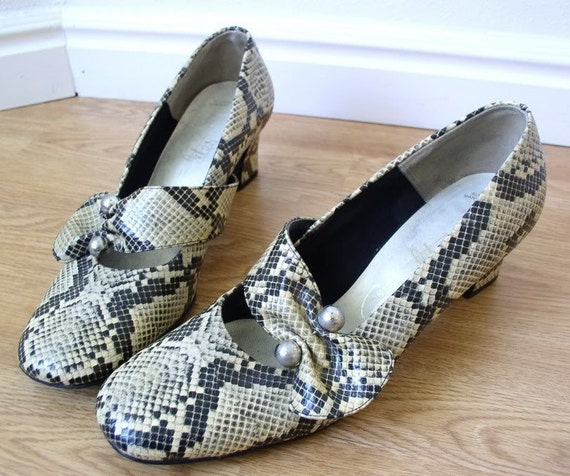mod vtg 60s SNAKESKIN gray MARYJANE HEELS cut out shoes 8.5 space age