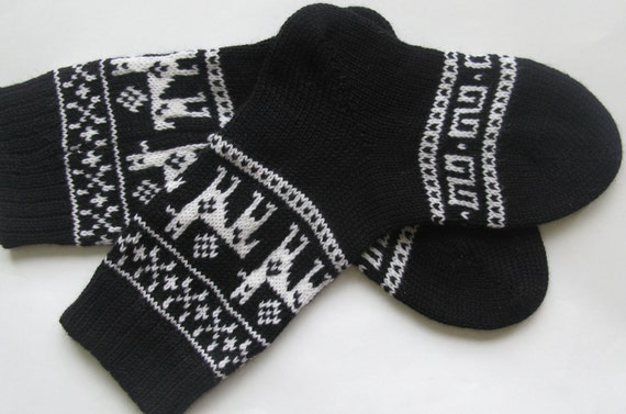 Black white CUSTOM MADE Scandinavian pattern rustic fall autumn winter knit short wool socks present gift
