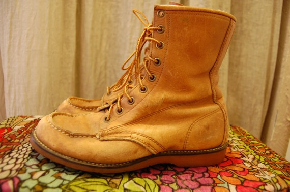 SALE///Vintage Womens Size 7  7.5 Leather Lace Up Work Boot