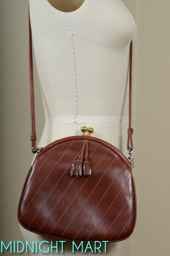1980s purse/ leather cross body bag/ kiss lock