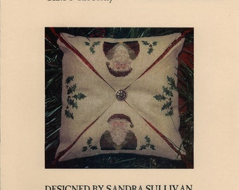 Homespun Elegance LTD: Santa & The Holly - a Pointedly Stitched II Cross Stitch Pattern and Button