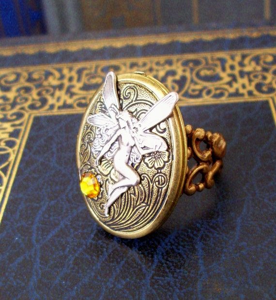 Steampunk Ring (R39-3) - Victorian Design - Silver Plated Fairy Piece - Cameo Locket - Swarovski Crystal - Adjustable Ringband
