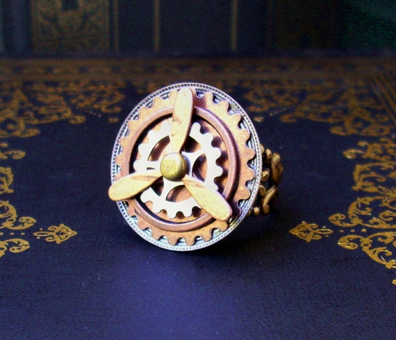 Steampunk Ring (R45-2) - Propeller and Gears - Spinning Parts - Adjustable Ringband