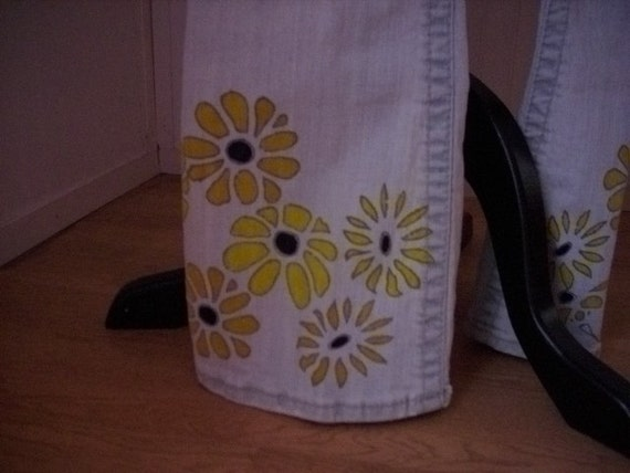 Walking in Daisy's Embelished Jeans Rue21 brand COOL Sz 3/4