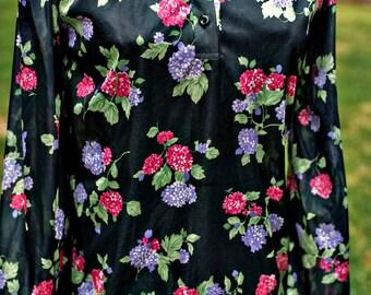 60s / 70s Black Floral Hydrangea Blouse