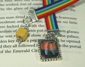 Wizard of Oz - Dorothy's Red Glitter Shoes Velvet Book Mark - Weighted Reading Companion -SP