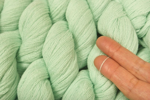 Light Mint Recycled Wool Yarn 558 Yards