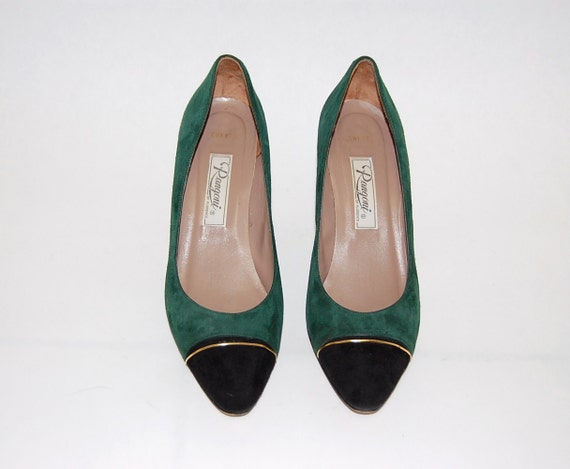Vintage 1980s Suede Emerald Green, Black, and Gold Kitten Heel Pumps 8 or 9AA