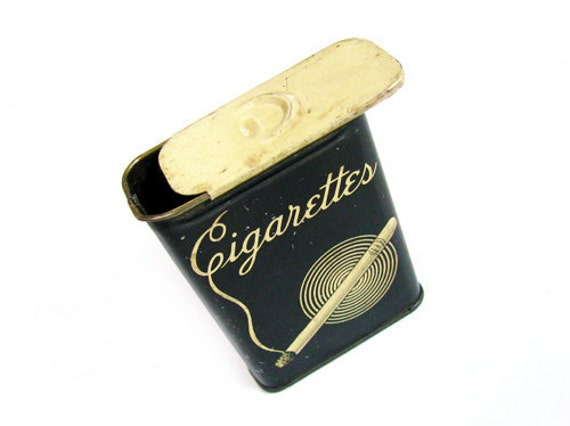 vintage art deco cigarette case in gatsby style black porte. Black Bedroom Furniture Sets. Home Design Ideas