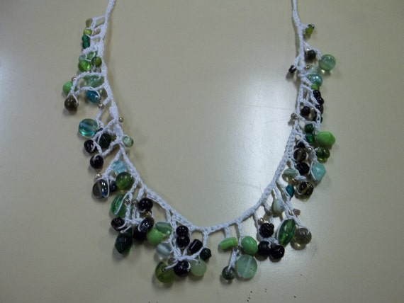 Green Beaded Delicate Crochet Necklace