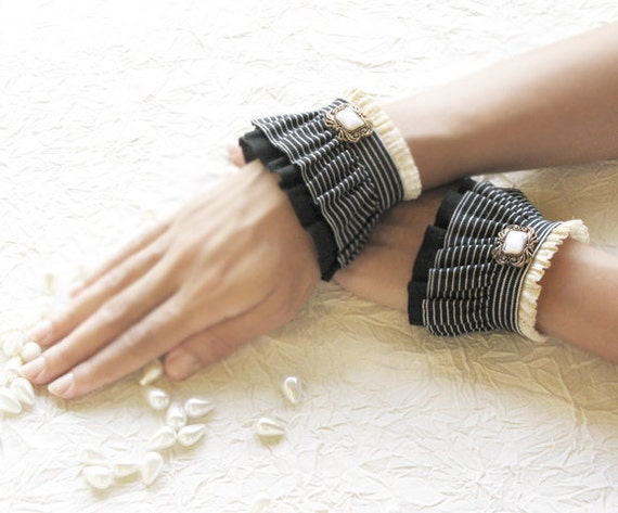 BLACK AND WHITE  elastic ruffled cuffs,romantic wrist warmers