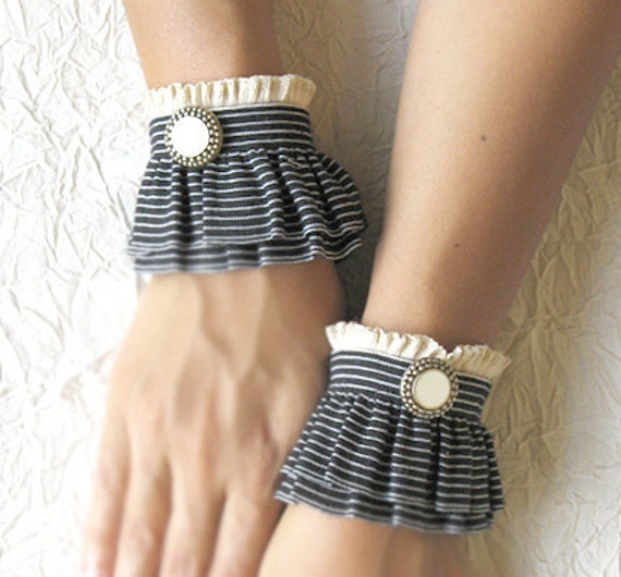 BLACK AND WHITE  elastic ruffled cuffs,romantic wrist warmers