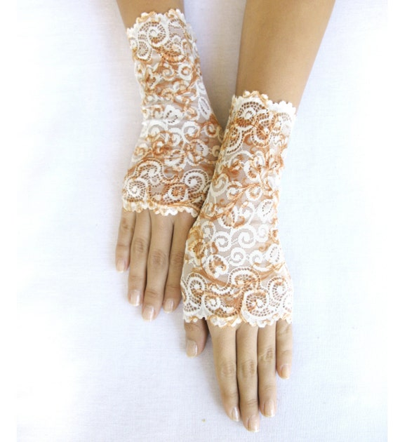 Victorian  cream lace gloves cuffs mittens lace gloves