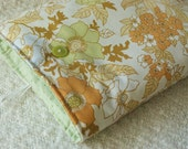 PACKY Reversible iPad or Kindle DX2 Sleeve in Vintage Brown Floral / Green Dot Fabric