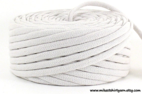 Recycled T Shirt Yarn Off White Beige 33 Yards Super Bulky Tarn