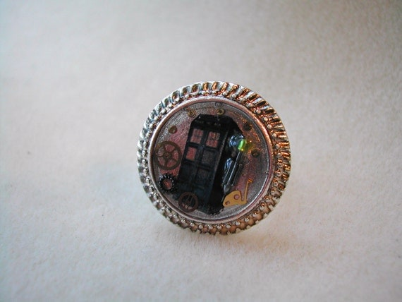 Doctor Who Tardis and Sonic Screwdriver Ring