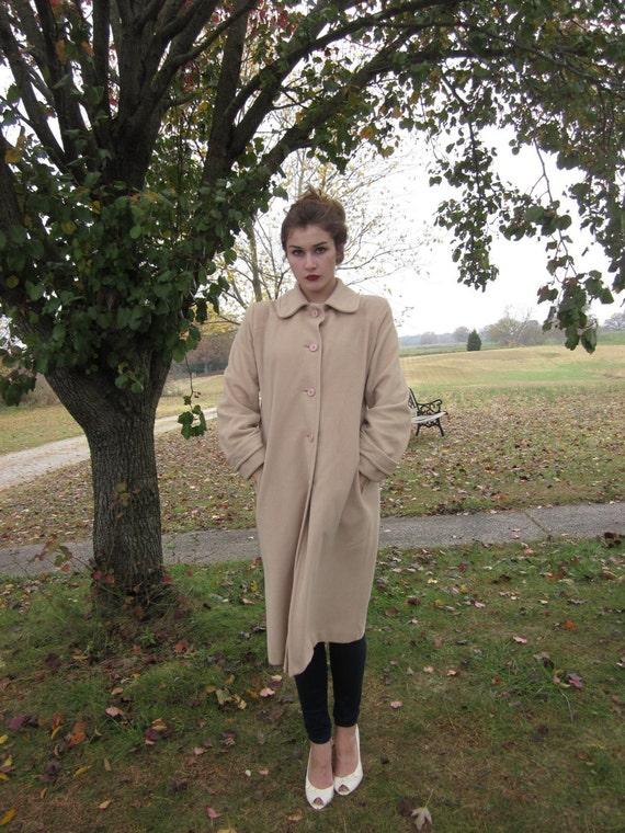 WINTER CLEARANCE --- Lovely Beige Vintage Coat