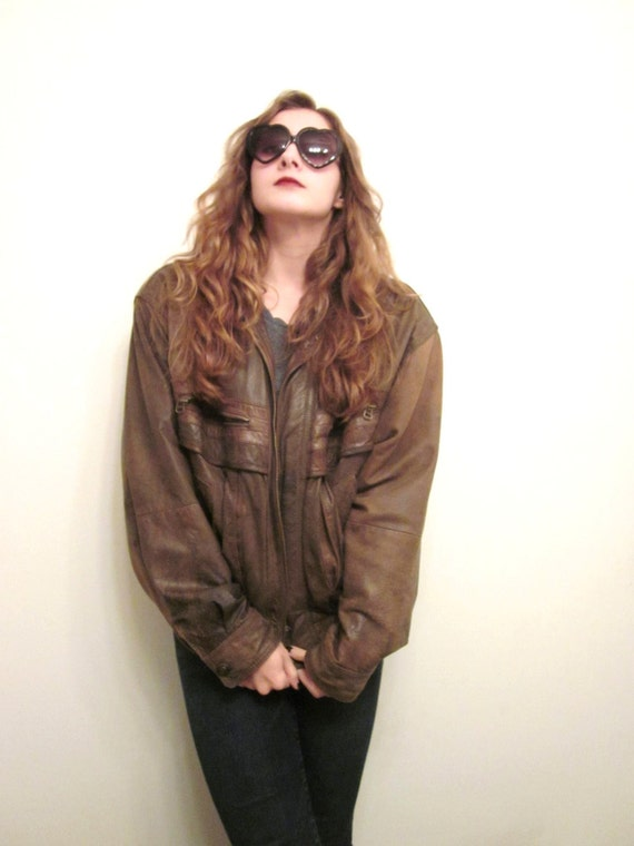 WINTER CLEARANCE --- Vintage Leather Bomber Jacket