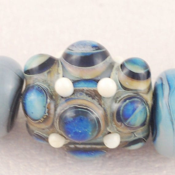Renaissance Jewels Focal Bead with 6 Spacer Beads