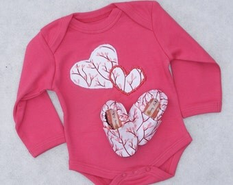 Organic Heart Gift Set- Short or Long Sleeves- Size 0 3 6 12 18 months with matching handmade shoes