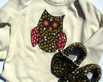 Brown Unisex Owl Applique Organic Baby Gift Set- Organic Natural One Piece with Organic Owl and Organic Crib Shoes 0 3 6 9 12 18 months