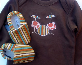 Organic Cotton Drum Set Baby Gift Set- Brown One Piece with Handmade Drum Applique and Organic Shoes in Jungle Stripe 0 3 6 9 12 18 months