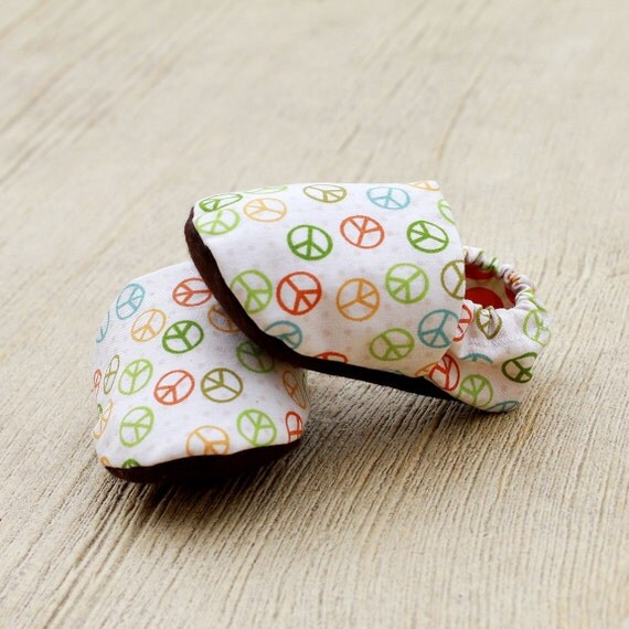6-12 months Handmade Peace Baby Organic Handmade Crib Shoes- Baby Booties In Rainbow Colors - Baby Clothes