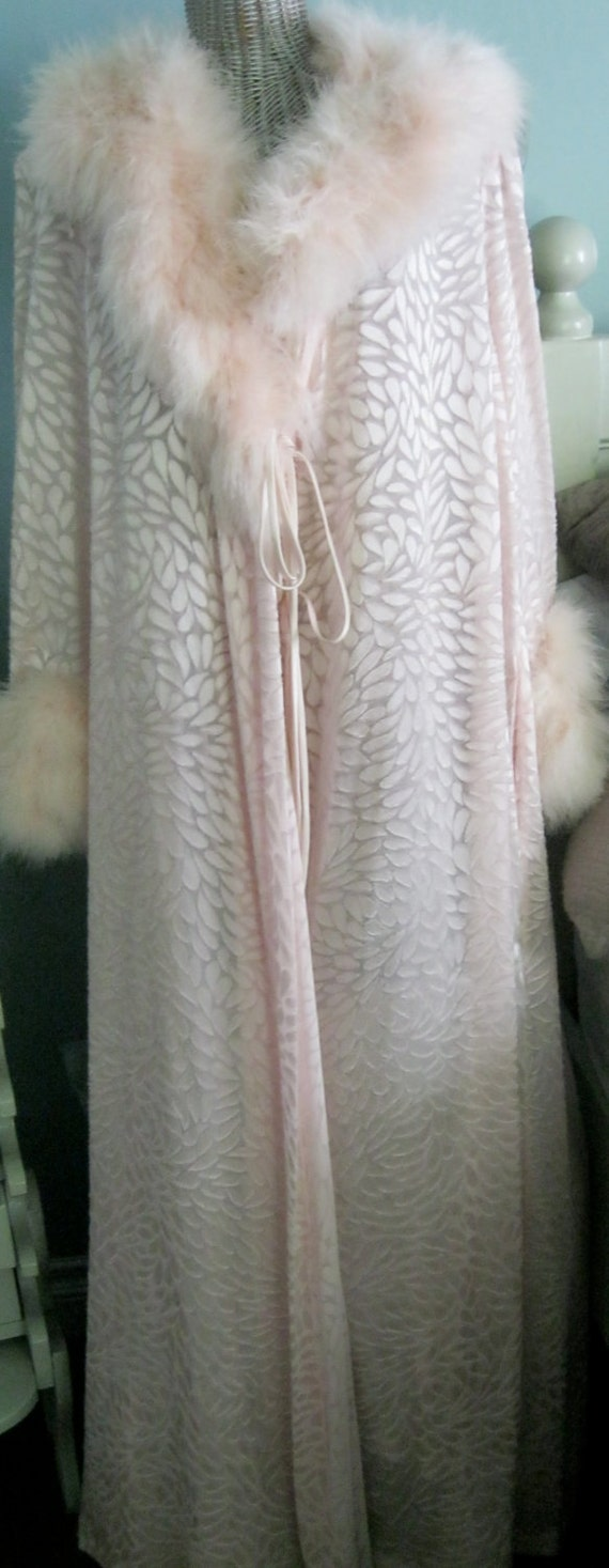 Famous Designer/Lucie Ann Robe/Dressing Gown/Feathers/Maribu/Gorgeous/Pink/Floor Length/Pink/Large,XL
