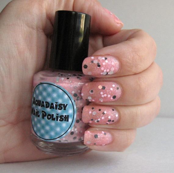 Black Nail Varnish Verruca: Items Similar To Pink And Black Glitter Nail Polish Beauty
