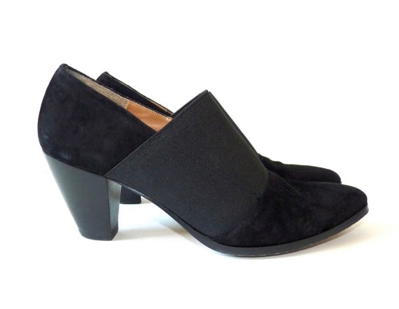 Ankle Boots 7 N. Vintage Booties. Black Suede Leather Shoes. Made in Italy. Leather Soles.