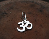 OM medium sterling silver pendant + sterling silver chain
