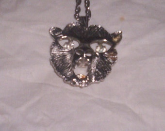vintage necklace cat moving eyes