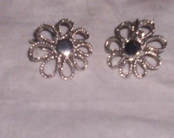 vintage clip on earrings silvertone flower